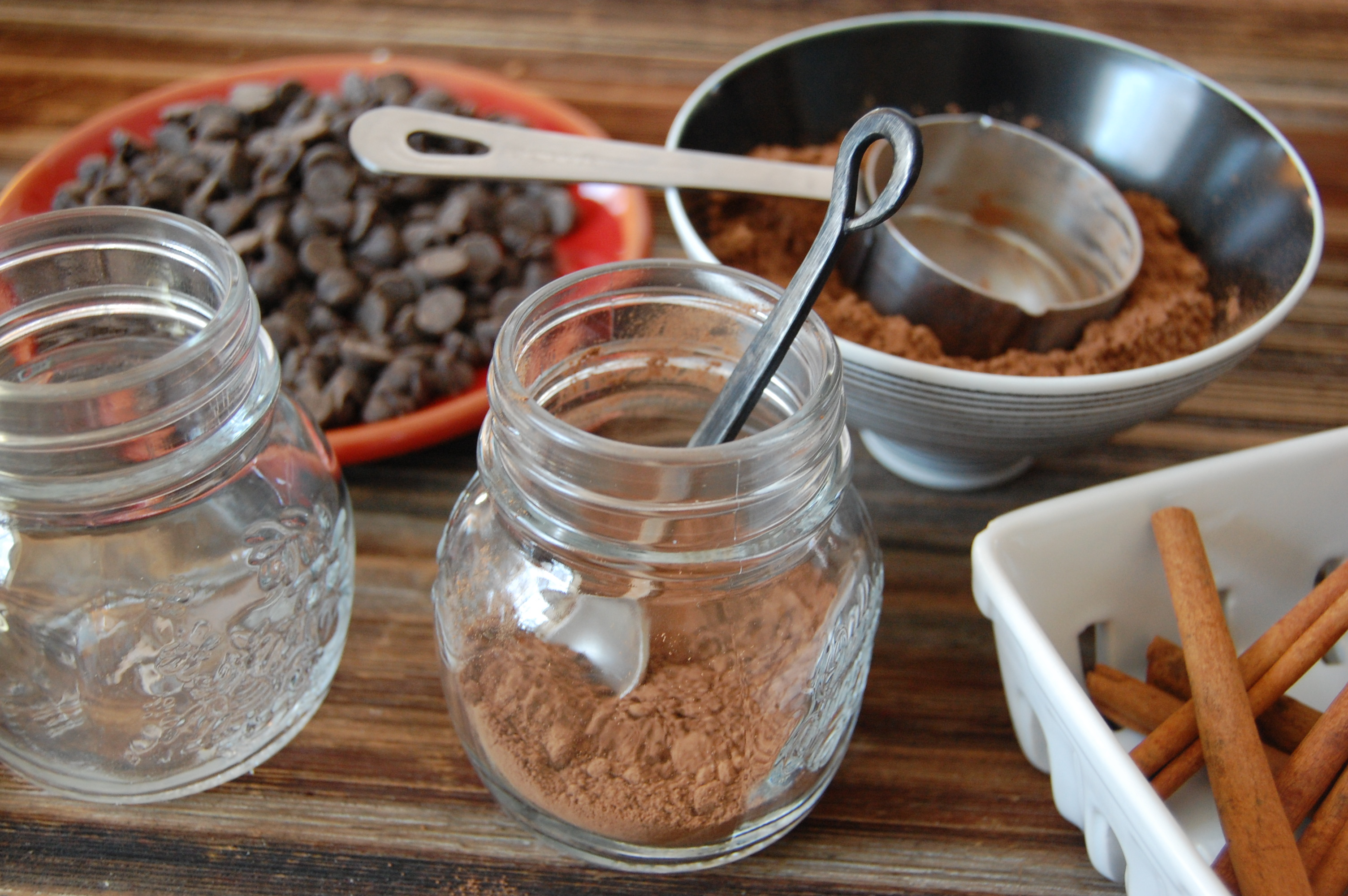 How to Layer DIY Hot Cocoa Mixes