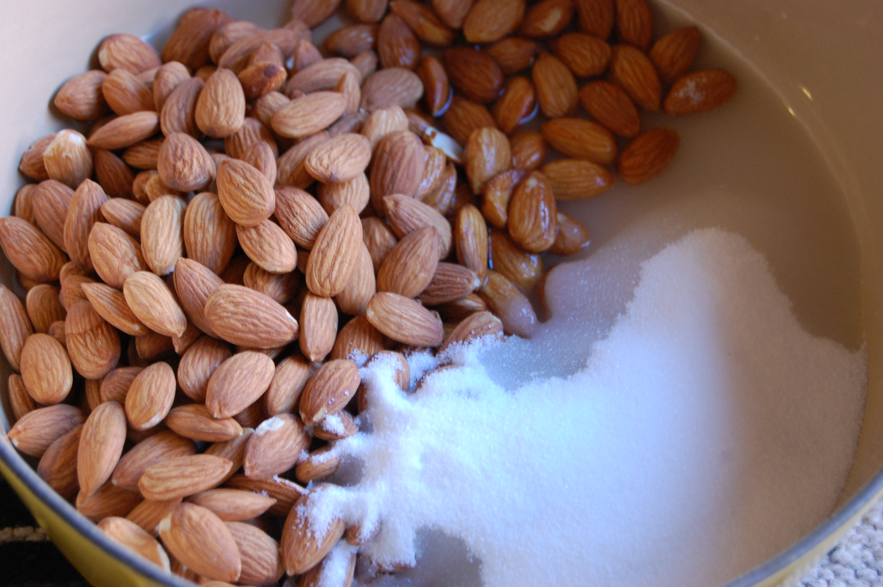 How to Make Candied Almonds for Gifts