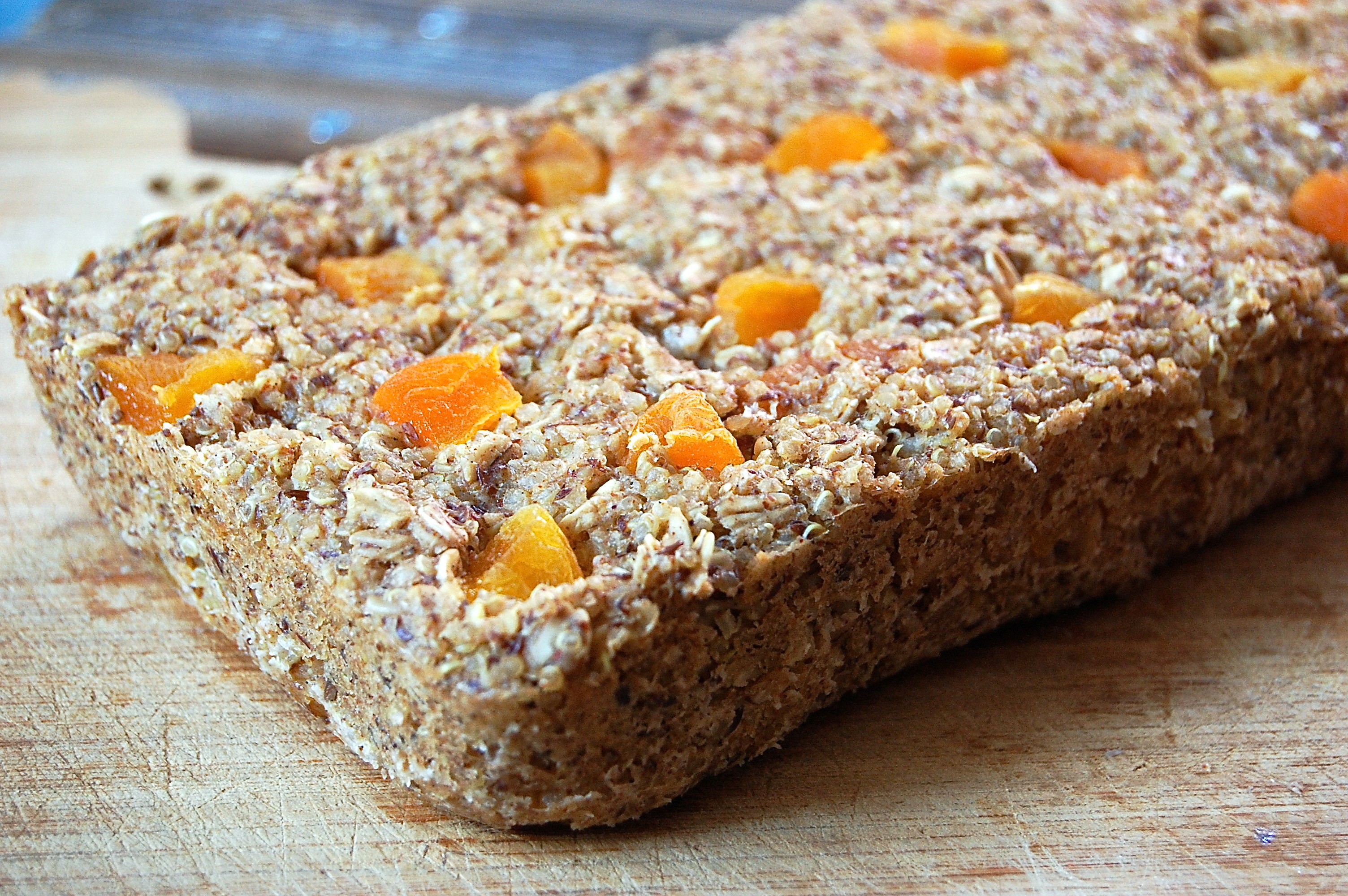 Quinoa Oatmeal Bake with Apricots - Uproot from Oregon