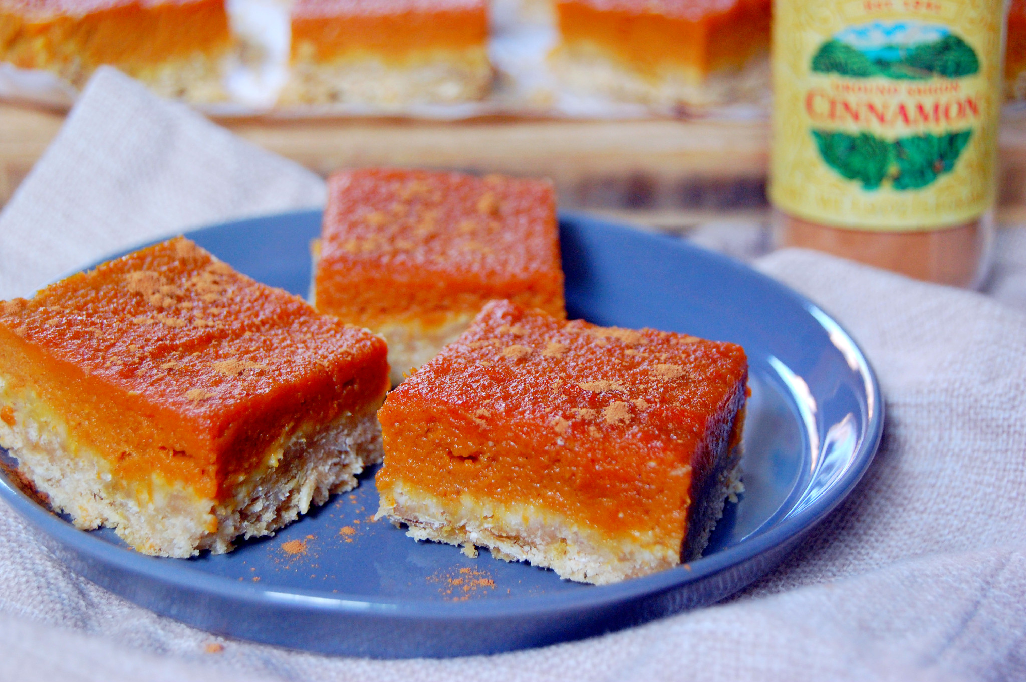 Pumpkin Pie Oatmeal Bars