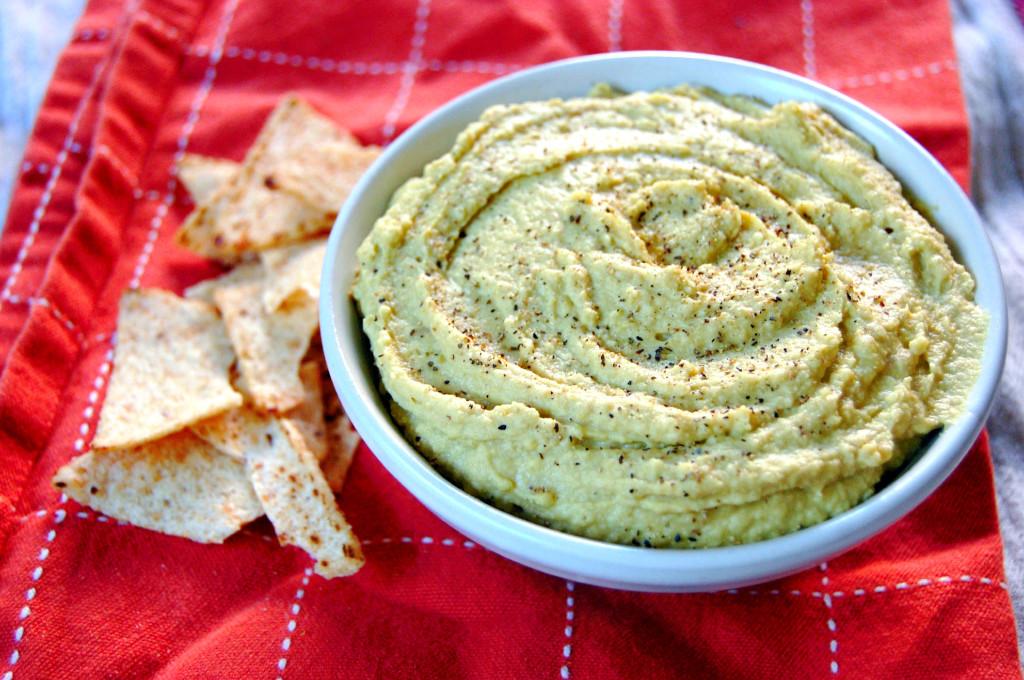 Sweet Pea Hummus | uprootfromoregon.com