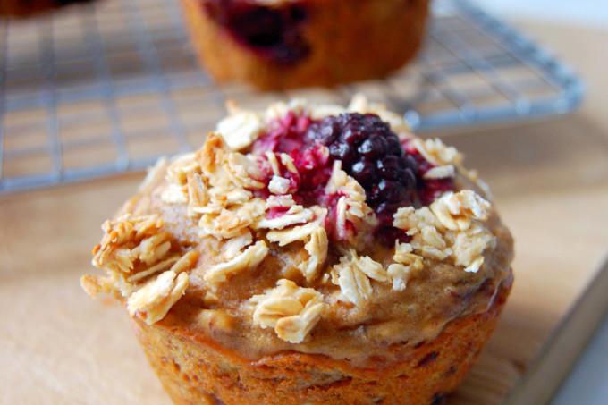 Greek Yogurt Marion Blackberry Muffins with Honey Oat Streusel | uprootfromoregon.com #ad