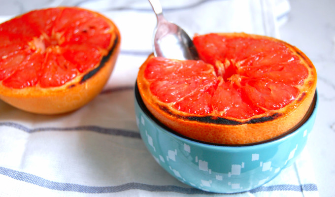 Vanilla Sugar Broiled Grapefruit