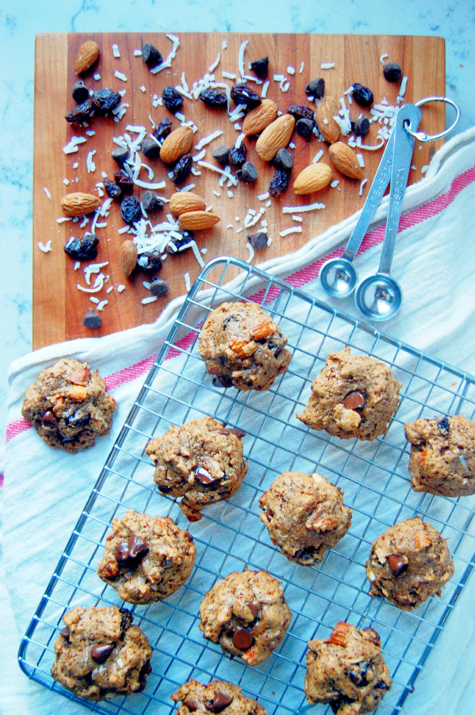 5 Ingredient Trail Mix Cookies (with an almond butter base!)   Uproot from Oregon