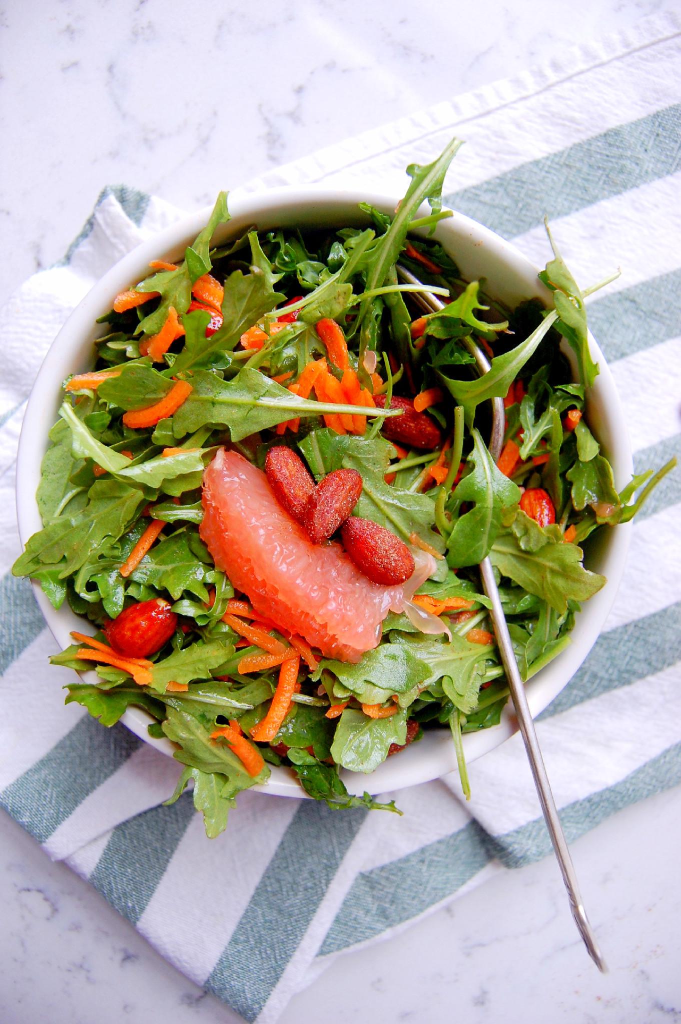 Delicate and delicious arugula salad 70