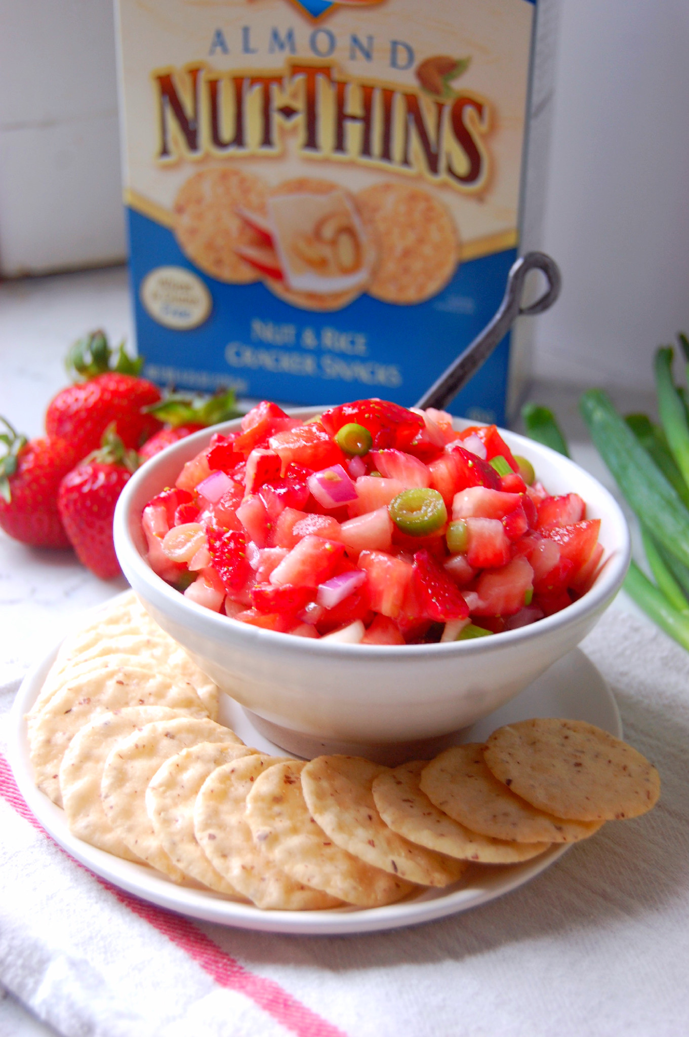 Balsamic Strawberry Salsa - the perfect appetizer with crackers for summer! | uprootkitchen.com