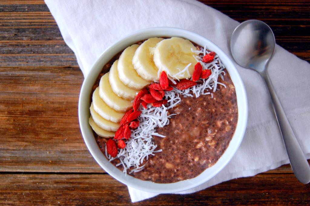 5 Ingredient Vegan Chocolate Banana Overnight Oats | uprootfromoregon.com