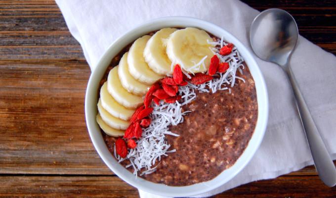 5 Ingredient Vegan Chocolate Banana Overnight Oats