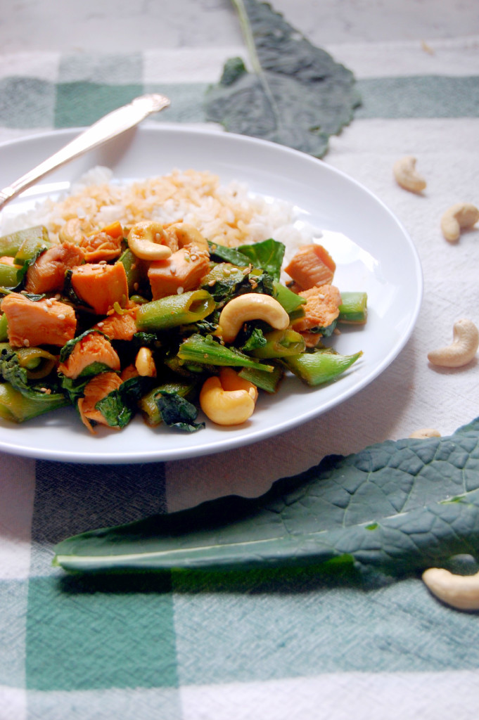 Simple Cashew Chicken Stir Fry with Sugar Snap Peas, Kale, and Spinach - a 30 minute meal that is faster than take out! | uprootfromoregon.com