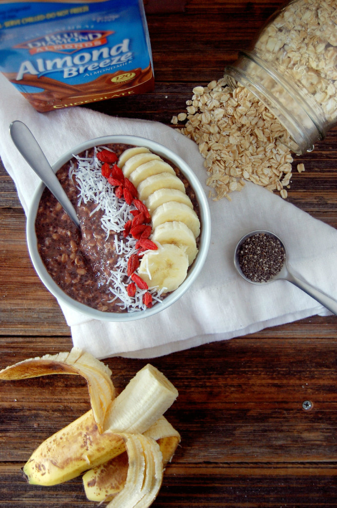 Vegan Chocolate Banana Overnight Oats - made with just 5 ingredients including salt! #ad | uprootfromoregon.com