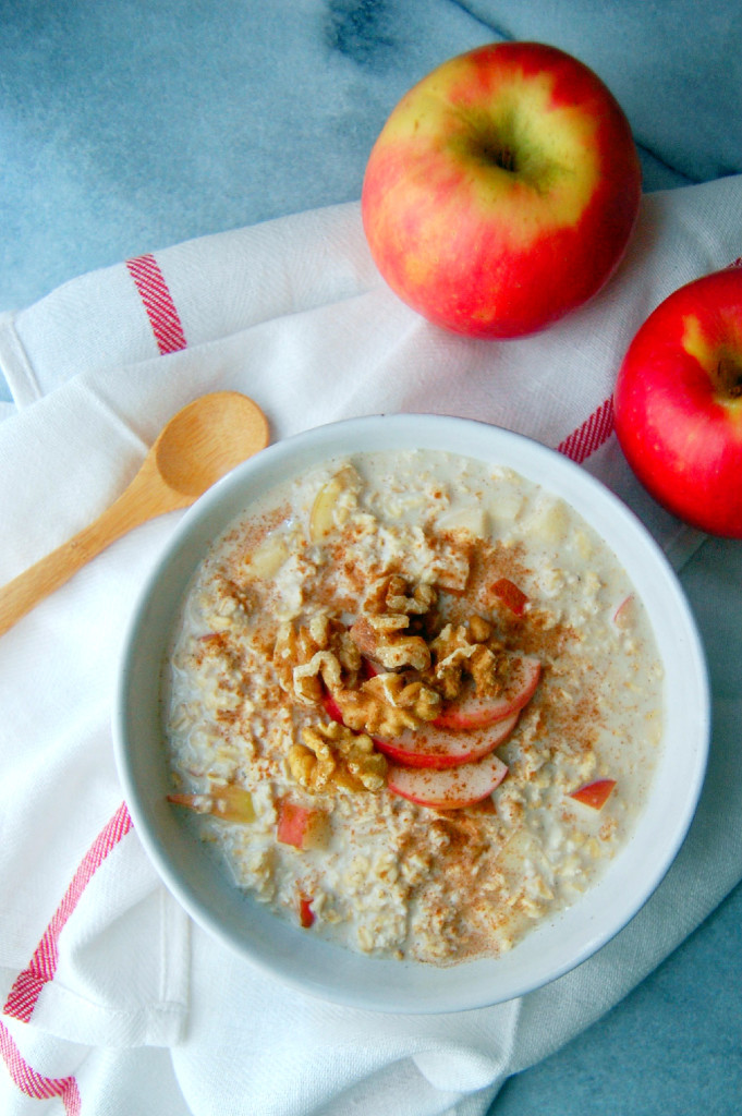 Single Serving Apple Pie Overnight Oatmeal | uprootfromoregon.com