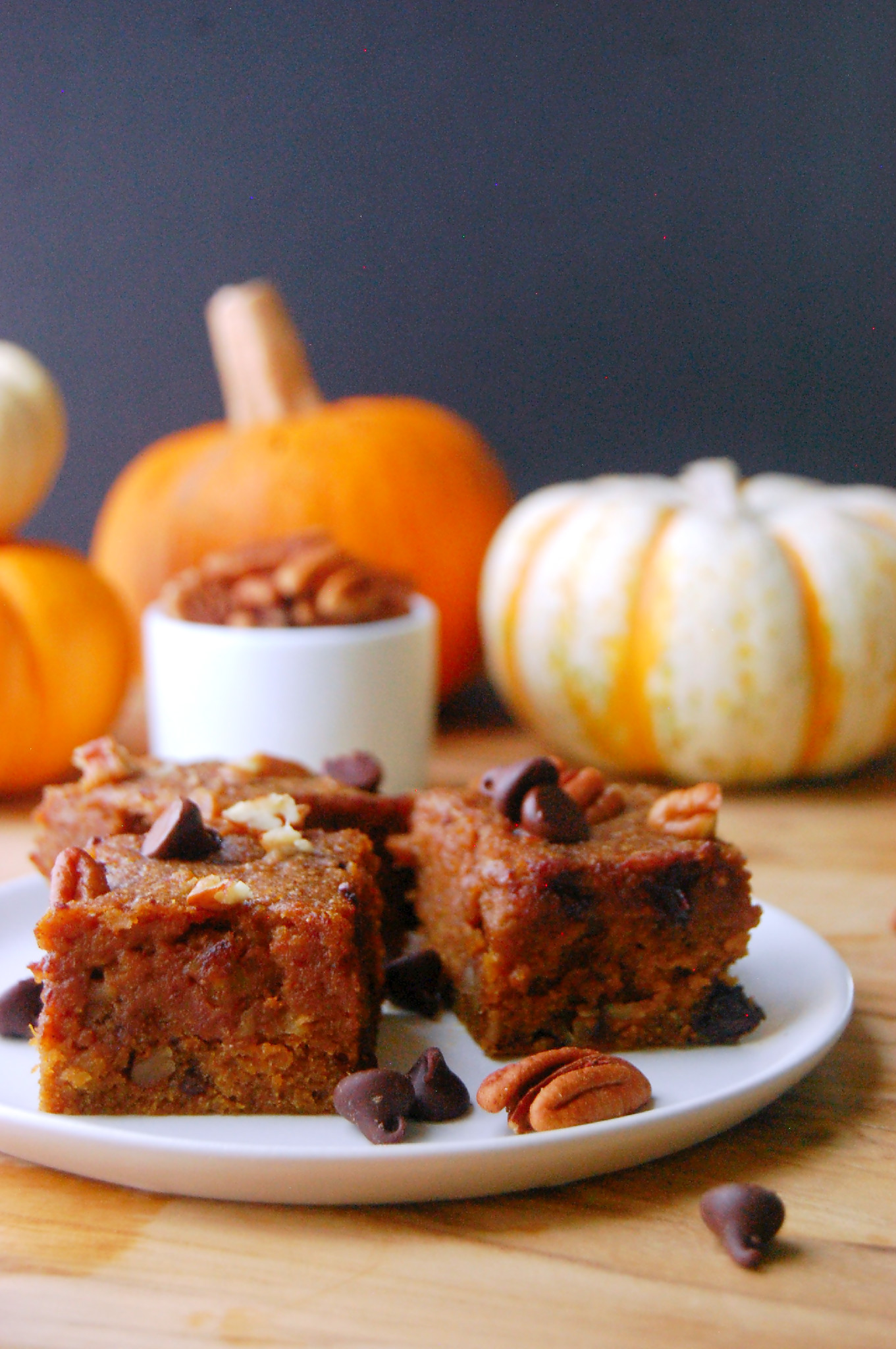 Whole Wheat Pumpkin Blondies - packed with pecans, chocolate chips, and maple syrup for sweetness | uprootfromoregon.com