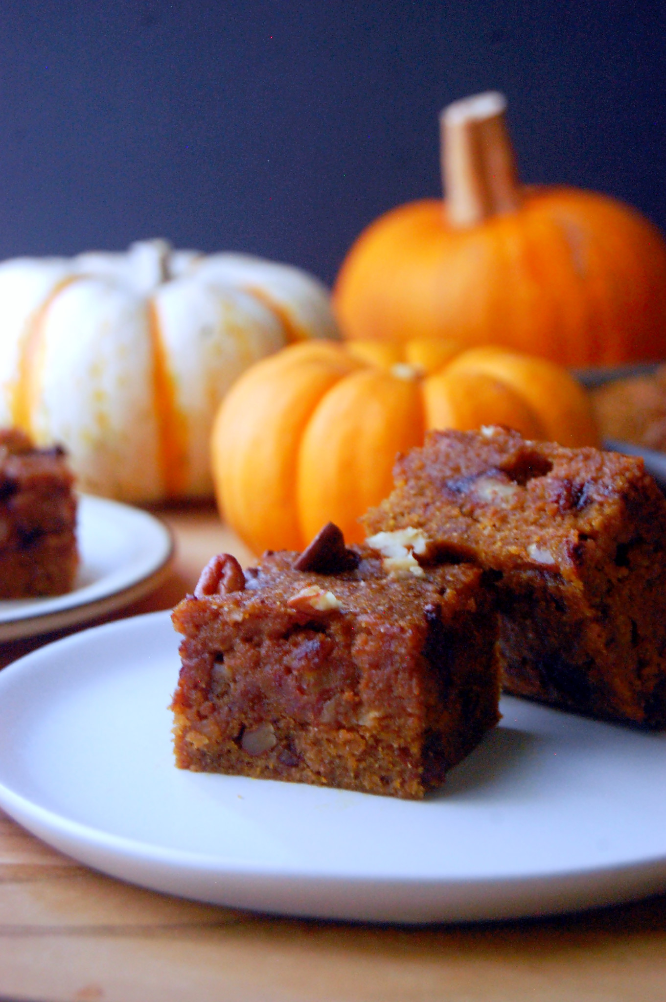 Whole Wheat Pumpkin Blondies with Pecans and Chocolate Chips, sweetened with pure maple syrup for a fall treat! | uprootfromoregon.com