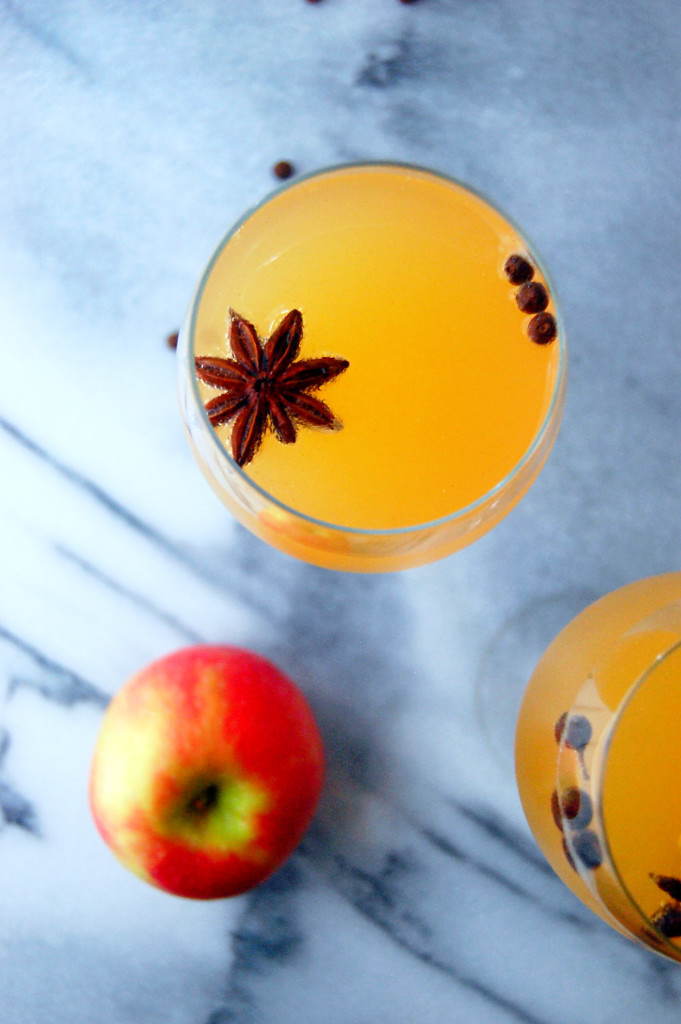 Spiced Apple Cider Mimosas, the perfect fall spiced champagne cocktail to share with friends | uprootfromoregon.com