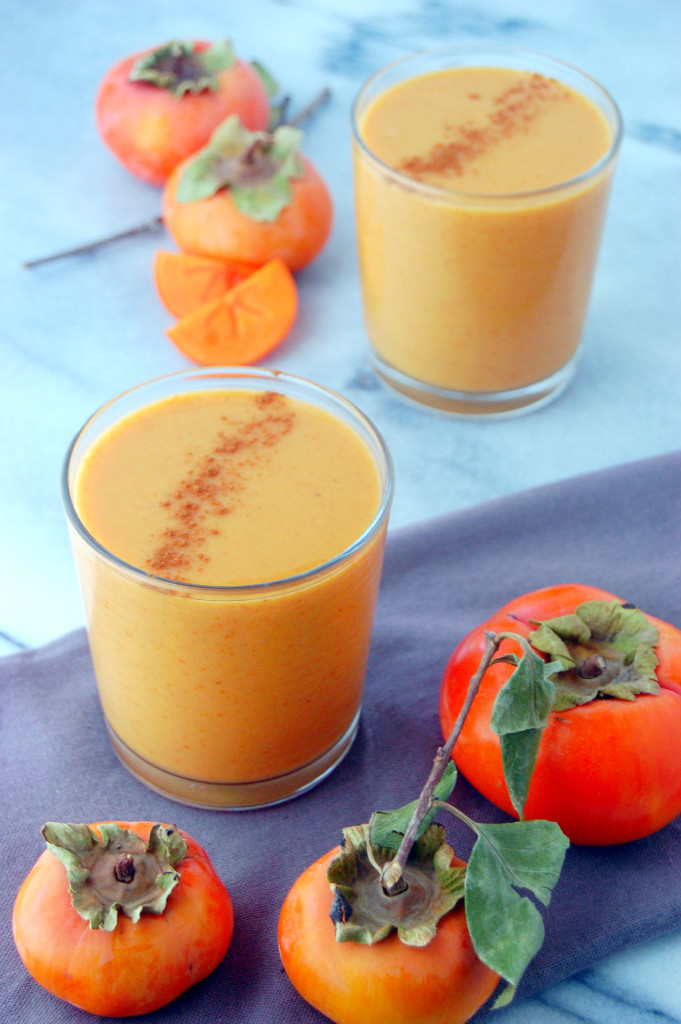 A delicious and simple Persimmon Smoothie, great for afternoon sipping | uprootfromoregon.com
