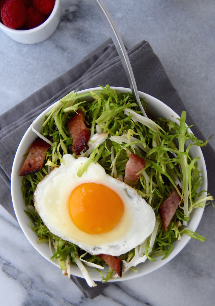 Frisée Breakfast Salad with Bacon and Eggs, a simple breakfast idea (with only 5 ingredients!) to get some greens in. | uprootkitchen.com