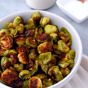 Simple Roasted Brussels Sprouts with Red Pepper Flakes | uprootkitchen.com