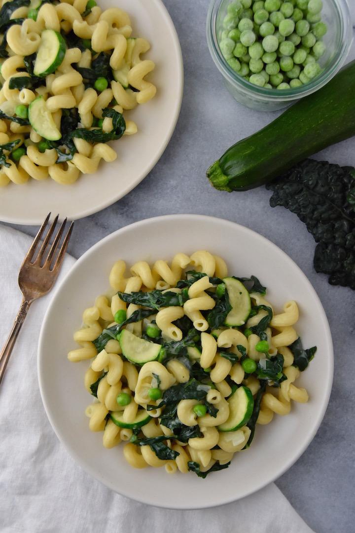 Creamy Garlic Spring Pasta, a 30 minute dinner idea (dairy-free). | uprootkitchen.com