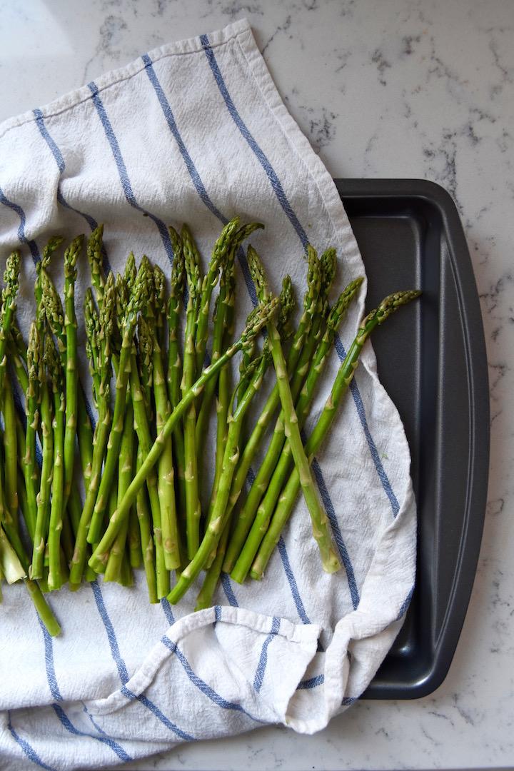 Fresh spring asparagus | uprootkitchen.com