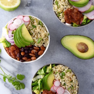 These Green Chile Bean and Rice Bowls are a quick batch meal to make for the week or for family dinner. | uprootkitchen.com