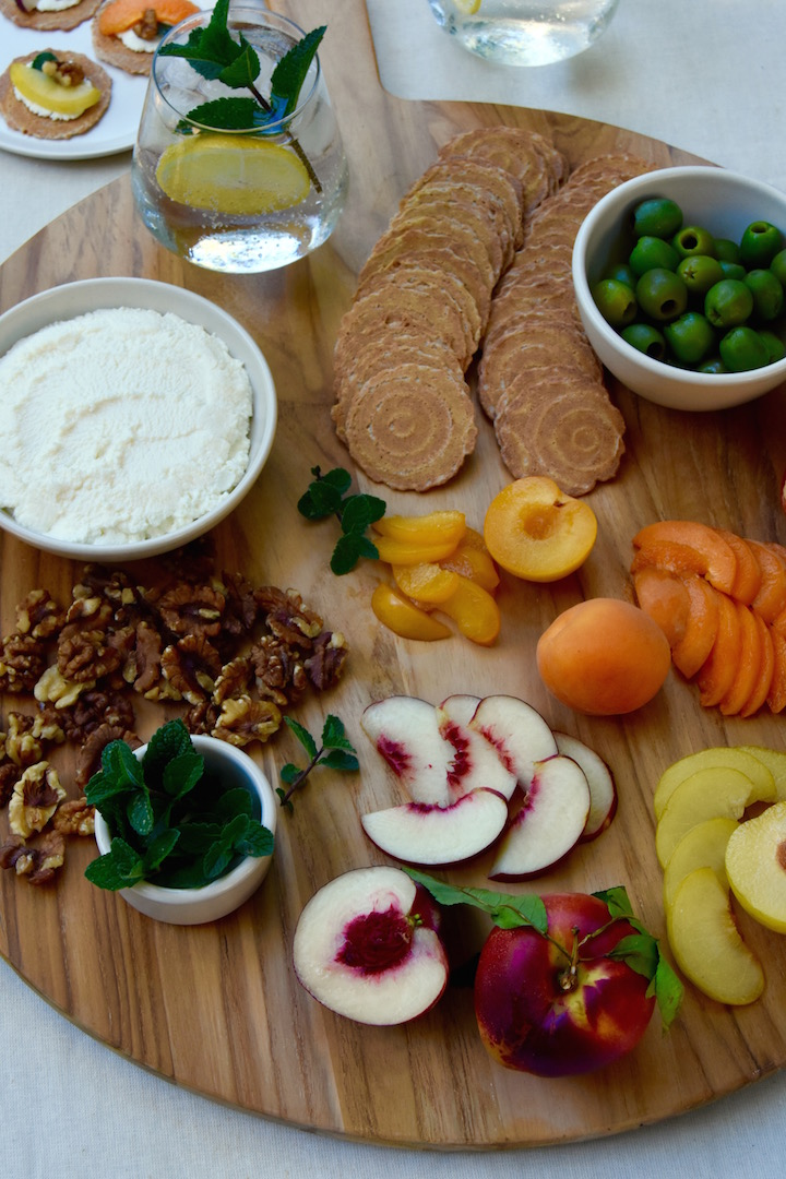 Stone Fruit and Ricotta Picnic Plate - perfect for summer snacking with friends | uprootkitchen.com