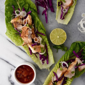 These Fish Taco Lettuce Wraps are a quick and healthy weeknight dinner idea. | uprootkitchen.com