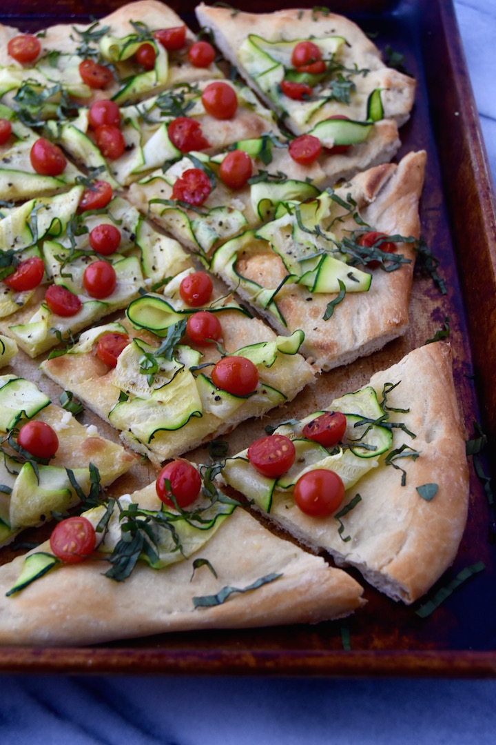 This Summer Flatbread is the perfect appetizer or light meal idea paired with a side salad | uprootkitchen.com