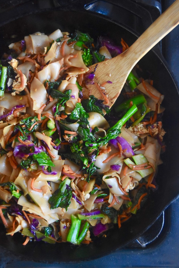 Thai Stir Fried Rice Noodles Healthy Dinner Recipe